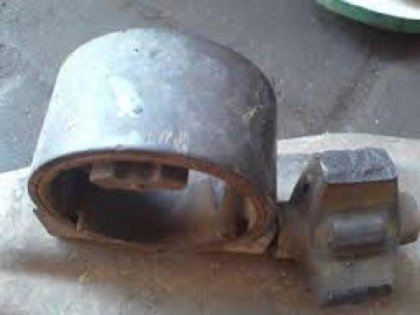 Contoh Engine Mounting yang hancur