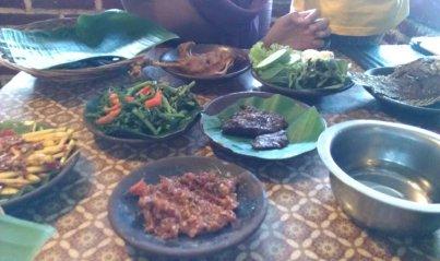 Aneka menu di Waroeng SS
