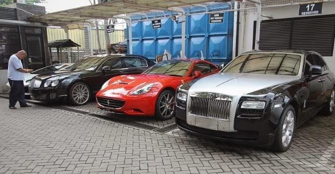 Parkiran Gedung KPK Berubah Jadi Showroom Mobil Mewah ...