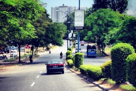 Jalanan Batam tanpa Kabel Listrik