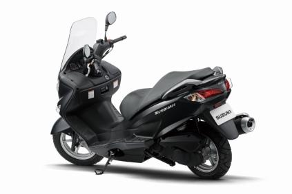 Suzuki Burgman - Samping