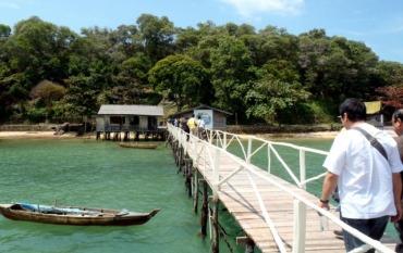 Pelantar Tradisional di Funtasy Island