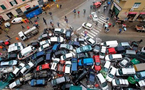 Kecelakaan Mobil - Ilustrasi