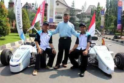 Mobil Listrik & Hybrid UNY