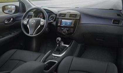Interior Nissan Pulsar 2014
