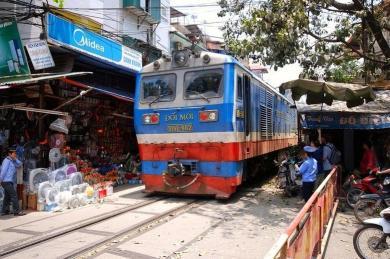 Kereta di Hanoi 2