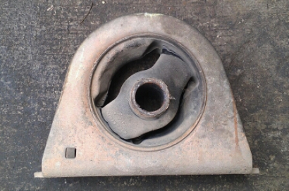Engine Mounting Lancer (Depan) - Sobek Parah :(
