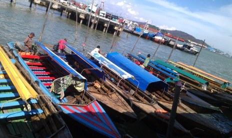 Deretan Pompong di Pelabuhan Domestik Sekupang Batam