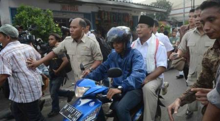 Prabowo Tidak Pakai Helm