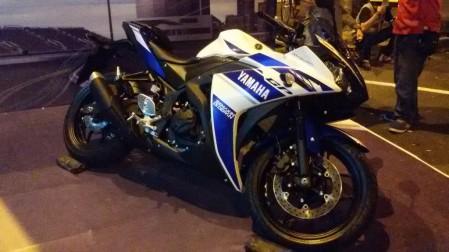 R25 di Yamaha Auto Show Batam 2014