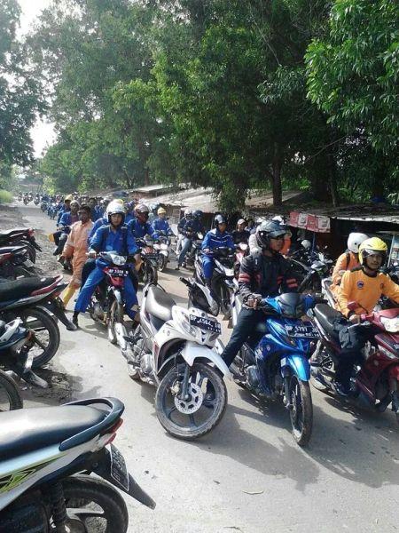 Demo & Sweeping di Tanjung Uncang