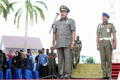 Walikota Batam saat Upacara HUT PGRI di Batam