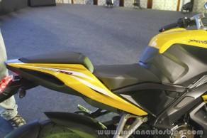 Bajaj-Pulsar-RS200-Yellow-seat-at-Launch-1024x682