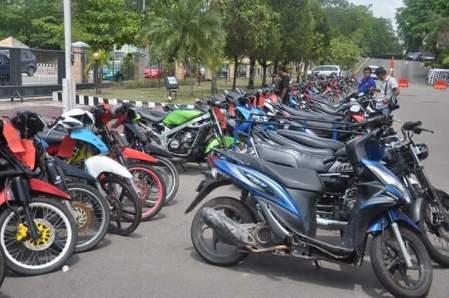 Motor-motor curian dan hasil razia gabungan Polresta Barelang