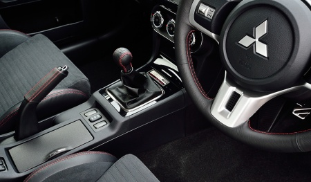 Interior Lancer Evo X Final Edition