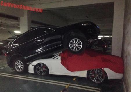 Touareg vs Porsche 911