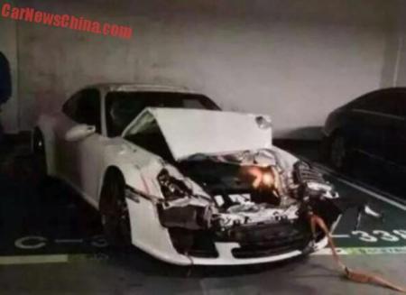 Porsche 911 yang ancur :)