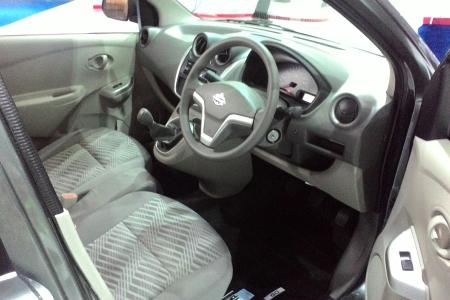 Interior Datsun T-Style
