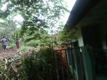 Longsor Bukit Kemuning - MivecBlog (19)