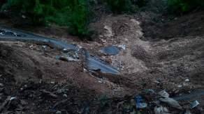 Longsor Bukit Kemuning - MivecBlog (31)
