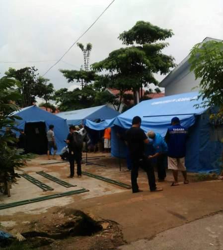 Tenda Darurat untuk warga mengungsi