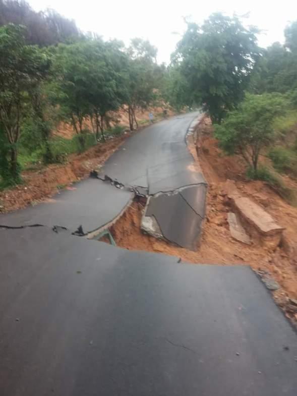 Longsor Bukit Kemuning & Nusa Indah (2)