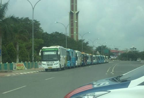 Deretan bus Trans Batam di Batam Center