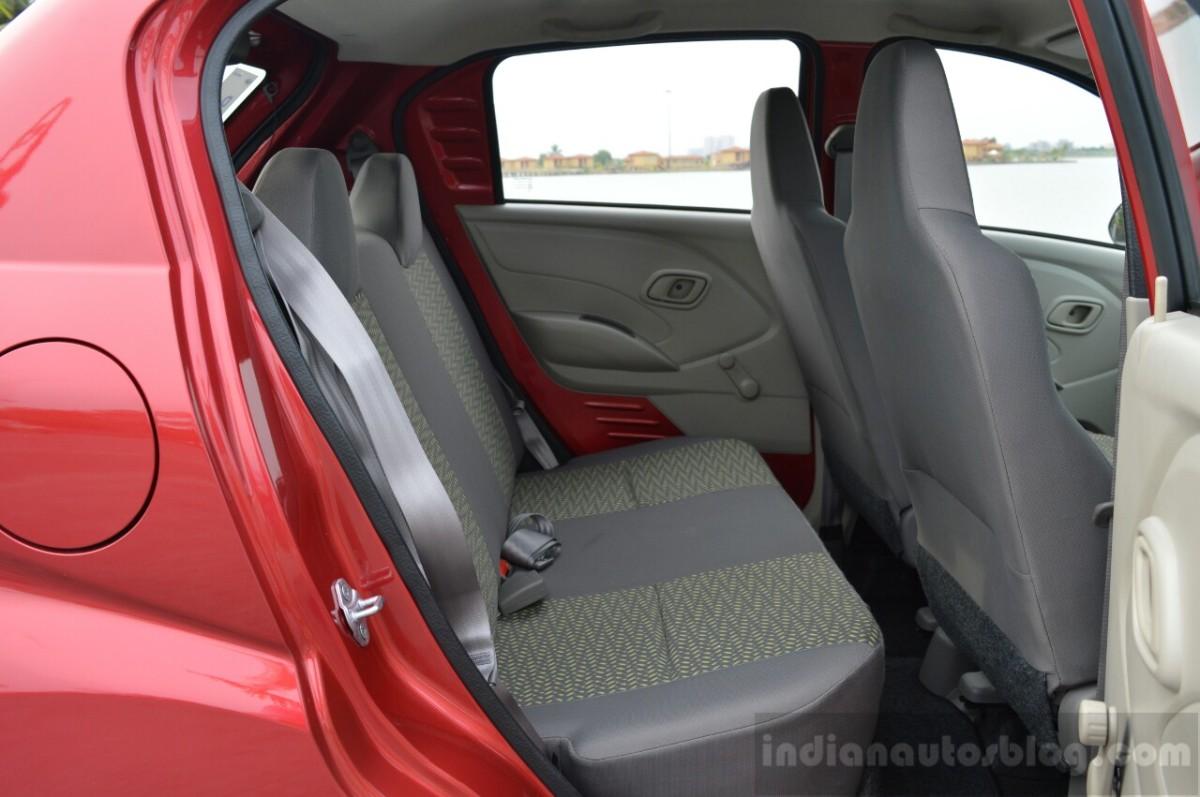 Datsun Redi-Go - Kursi Belakang
