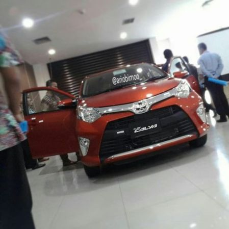 Toyota Calya - Depan