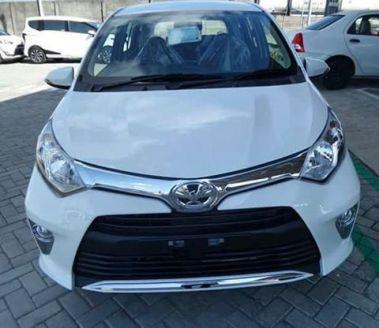 Toyota Calya Putih - Depan