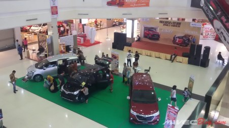 Public Display Toyota Calya di Batam