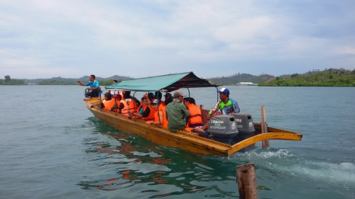 Berangkat menuju Pulau Rano