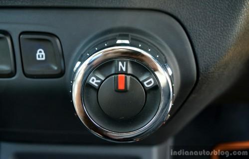 Ini Knob Pemindah Gigi Renault Kwid AMT