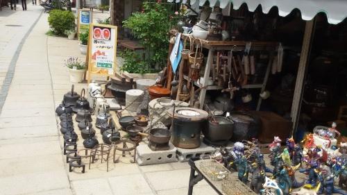Salah satu toko barang seken di Jepang
