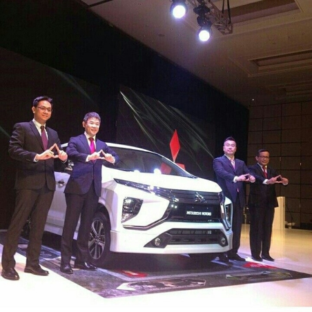 Launching Mitsubishi Expander (4)