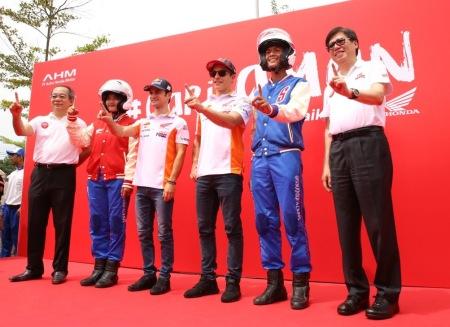 Marquez dan Pedrosa Kampanyekan Keselamatan Berkendara