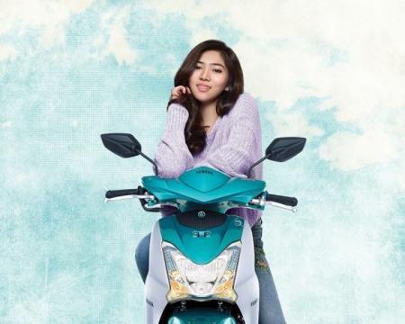 Isyana Sarasvati Brand Ambassador Mio S Tubeless & Ban Lebar 125cc Blue Core (2)