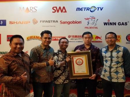Radityo (tiga dari kiri) bersama tim Marketing & PR YIMM saat menghadiri IBBA 2017 di Hotel Shang-ri La, Jakarta