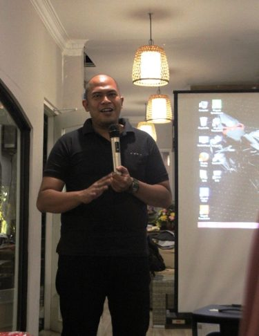 Pak Puji memberikan penjelasan detail mengenai CRF150L