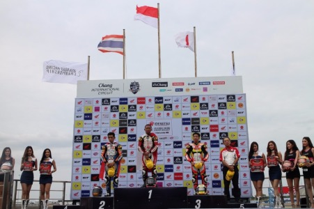 Rheza Danica Sabet Podium 1 di Race 1 ARRC Seri Terakhir