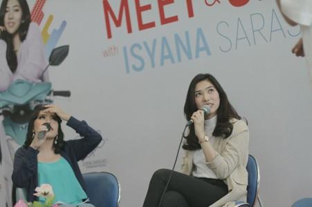 Isyana Sarasvati brand ambassador Mio S saat Meet & Greet dengan fans dan konsumen Mio S di Bandung