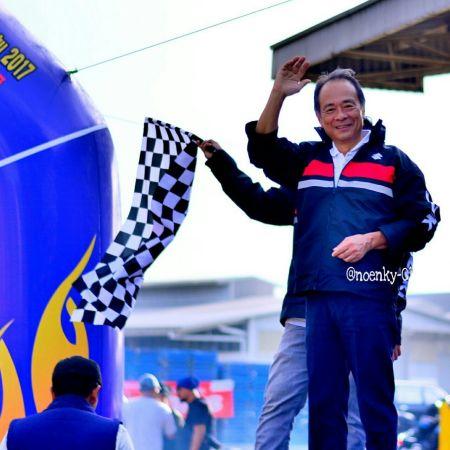 Mr. Shuji Oishi melepas peserta Touring Suzuki Bersatu