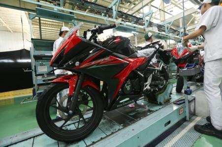 Perakitan Honda CBR150R Baru tahun 2018