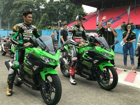 New Ninja 250 bersama AM Fadly & Jonathan Rea