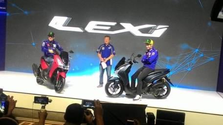 Rossi dan Vinales di atas Yamaha Lexi 125