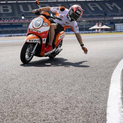 Marquez bersama Scoopy Repsol di Sirkuit Chang