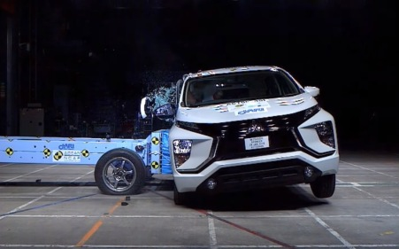 Uji Tabrak Mitsubishi Xpander
