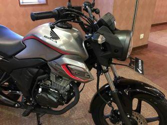 Honda CB150 Verza (1)