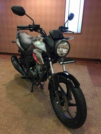 Honda CB150 Verza (10)