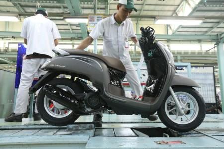 Perakitan New Honda Scoopy (3)